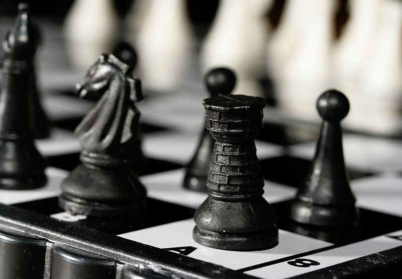 800px-Chess_rook_0996